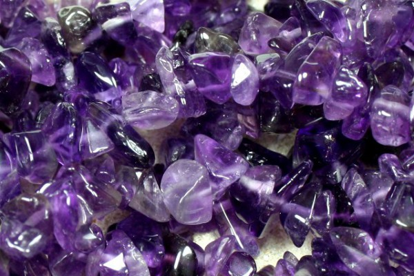 50 Edelsteinsplitter Amethyst, lila