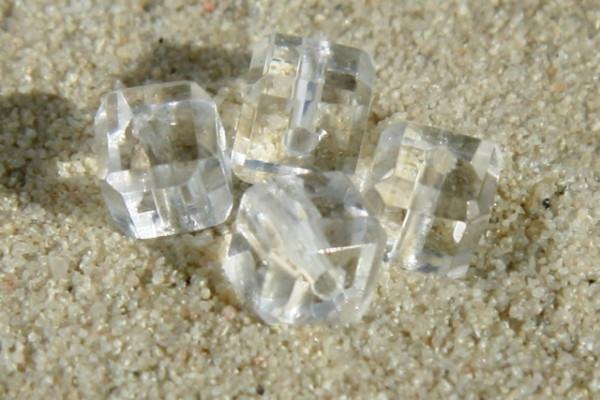 Glaswürfel mit Schliff, transparent, 4x4mm