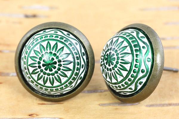 Mosaik Cabochon Ohrstecker, grün/weiß, bronzefarben, 12mm