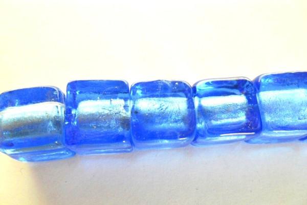 Glas Würfel mit Silberfolieneinzug, blau, ca. 13x12mm