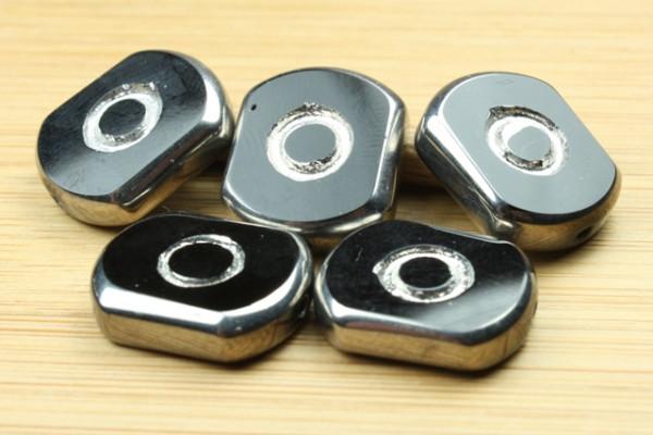 Glasperlen mit versilberter Fassung, schwarz, 14x17x5mm