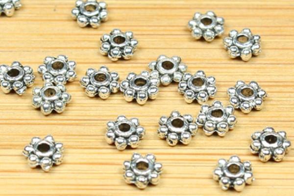 Metallperlen, 25 Stück, Blüte, versilbert, 4.3mm