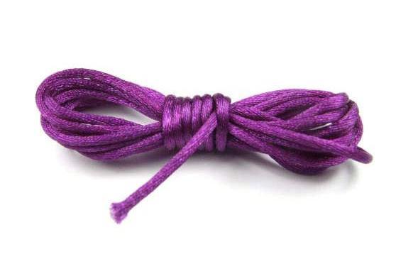 Satinkordel, violett glänzend, 2mm