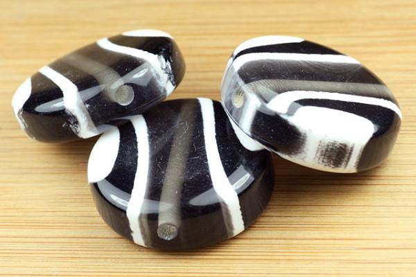 Acrylperle, rund, schwarz mit weißem Muster, 30mm