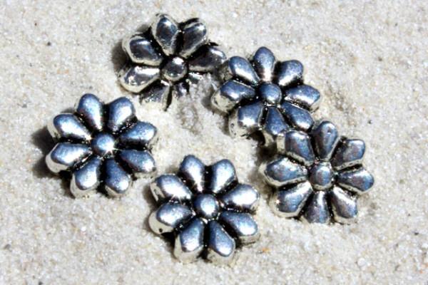 Metallperle, Motiv Blume, versilbert, 10mm