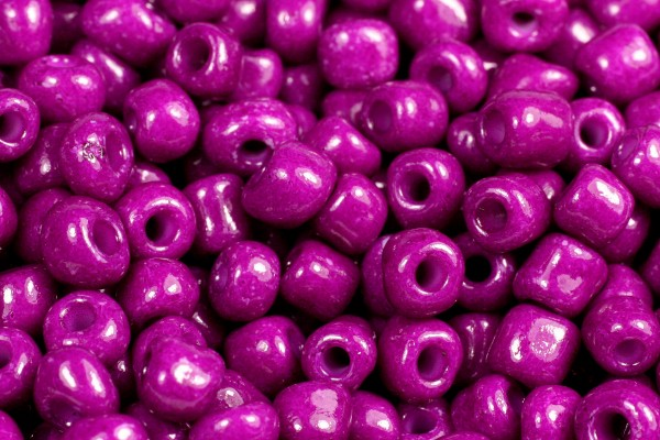Rocailles, rund, Violett purple opak, 15gr, 6/0, 4mm