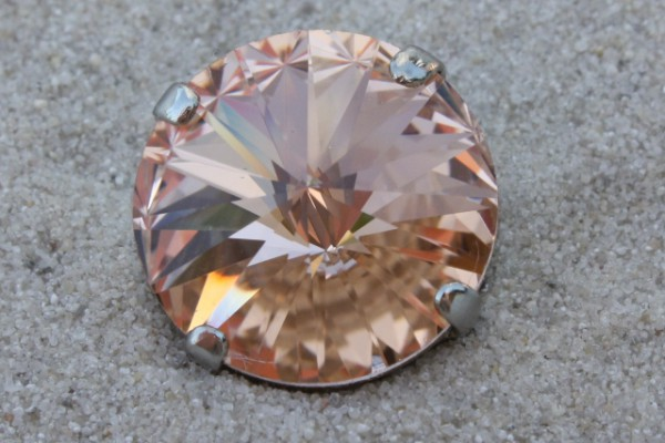 SWAROVSKI® ELEMENTS 1122 - Rivoli im Kessel, Light Peach, 14mm
