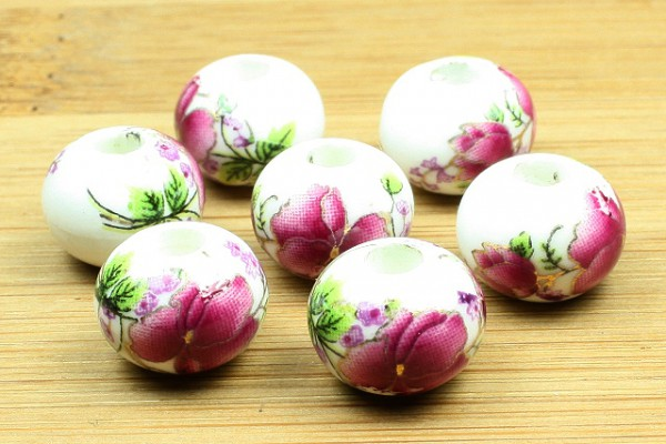 Porzellanperlen, Blumenmotiv, weiß-fuchsia, 12x9mm
