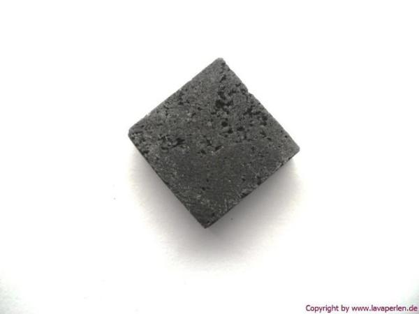 Lava Quadrat, diagonal gebohrt, schwarz, 20x20mm