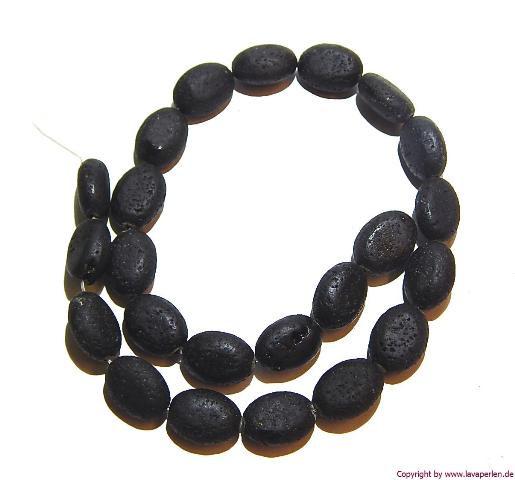 Lava Oval, Strang, schwarz, offenporig, 18x13x8mm