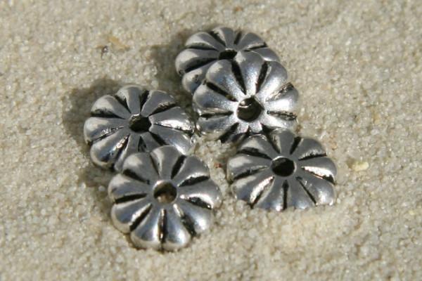 Big Pack Metallperlen, Blume, versilbert, 8mm - 50 Stück