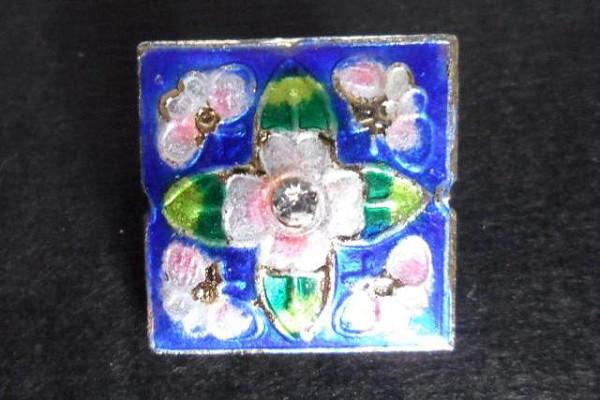 Cloisonne Perlen, Quadrat, blau mit Blüte, ca. 22x22x8mm