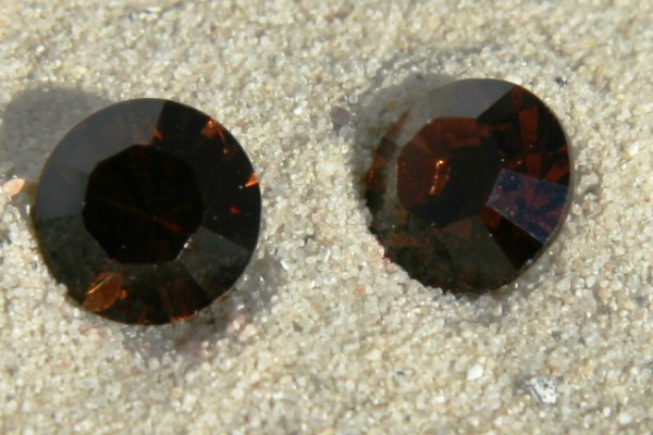 SWAROVSKI® ELEMENTS Chaton 1028 ss39, Smoked Topaz, 8mm