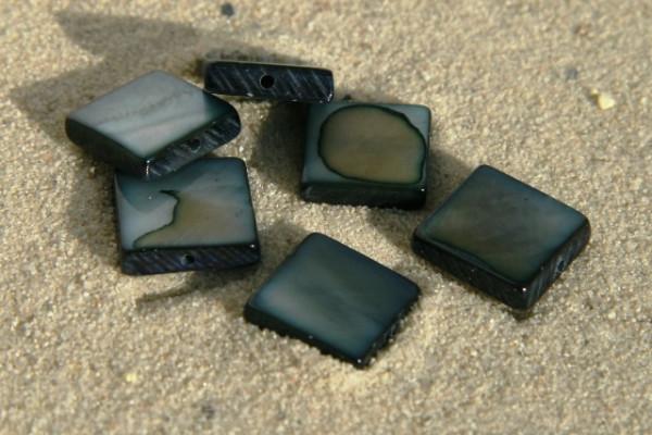 Muschel-Quadrate, schwarzer Perlmuttschimmer, 10x10mm