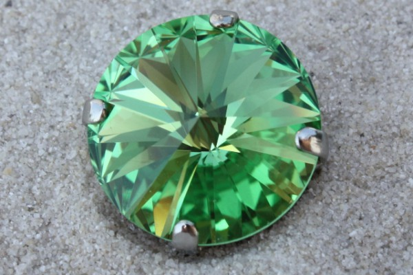 SWAROVSKI® ELEMENTS 1122 - Rivoli im Kessel, Peridot, 14mm