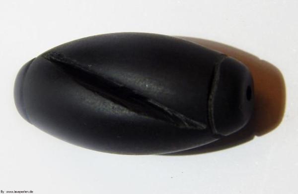 Lava Olive mit Rillen, glatte Oberfläche, schwarz, 35x17mm