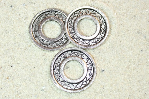 Metallperle, Ring mit Verzierung, 23mm
