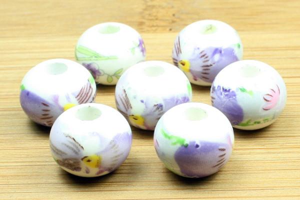 Porzellanperlen, Blumenmotiv, weiß-flieder, 12x9mm