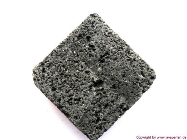 Lava Quadrat, diagonal gebohrt, schwarz natur, 26x7mm