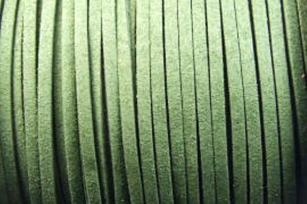 Veloursband in Wildlederoptik, flach, moosgrün, ca. 3x1.5mm