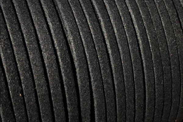 Veloursband in Wildlederoptik, flach, schwarz, ca. 3x1.4mm