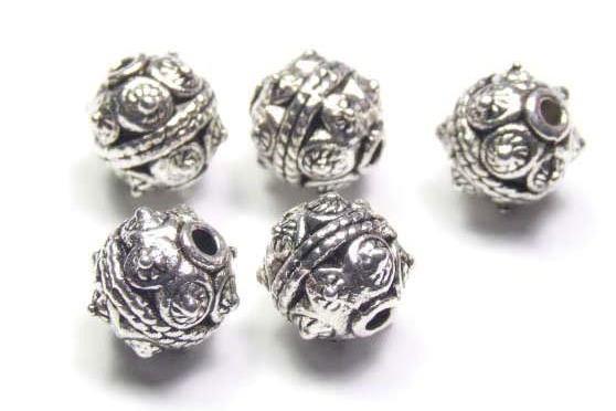 Metallperle, Kugel mit aufwändiger Verzierung, versilbert, 10 mm