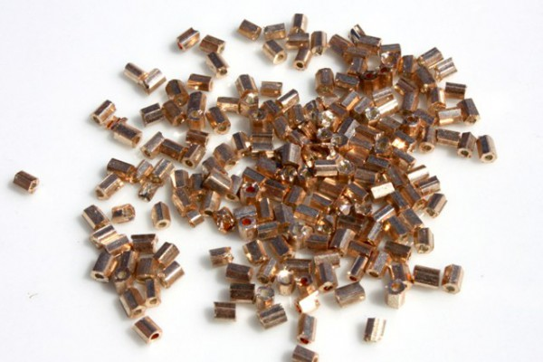 Rocailles, 2-cut, Glanz Goldfarben, 2.5mm