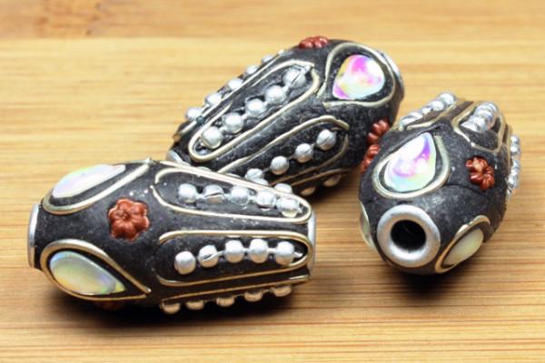Kashmiri Perle, Tropfen, schwarz, 25x13mm