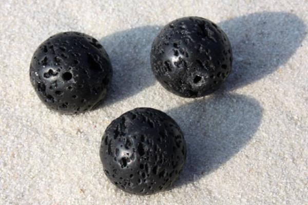 Lava Kugel, geölt und poliert, schwarz, rund, 16mm